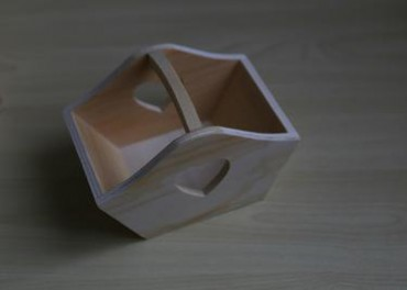 厂家直销创意精品木制小提篮 原木色手提心形小木篮 木质杂物收